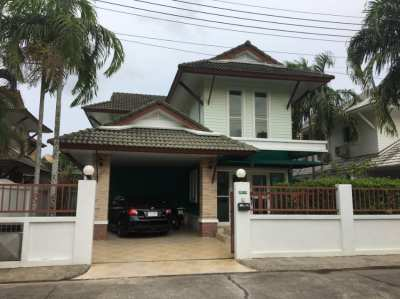 Single house 2 storage for sale
