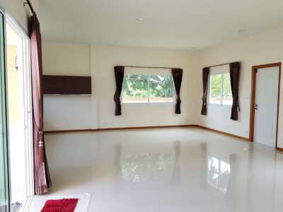 3 bedroom house house for sale 800 meters from Mae Ramphueng beach