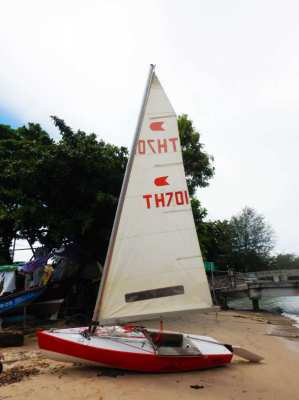 Very Fast Sailing boat 4.06m . Can be used in tandem