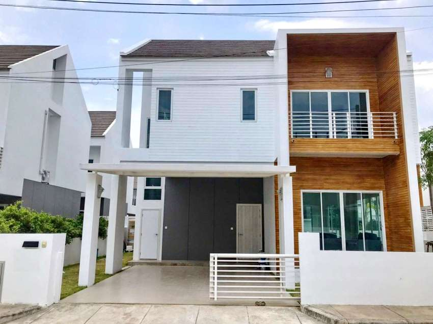 House for rent 1.5 km. from Makro super store, Mae Rim Rd.