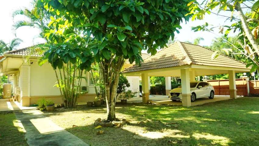 4 Bedroom House w/ Spacious Lawn in Pimuk 4