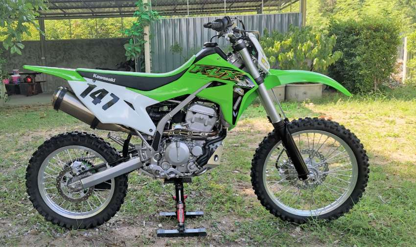 For sale Kawasaki KLX 300 R model: 2020 I'm a 62 year old user :-)