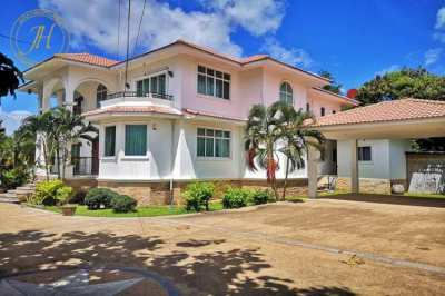 A 6 bedroom mansion for sale in Hua Hin