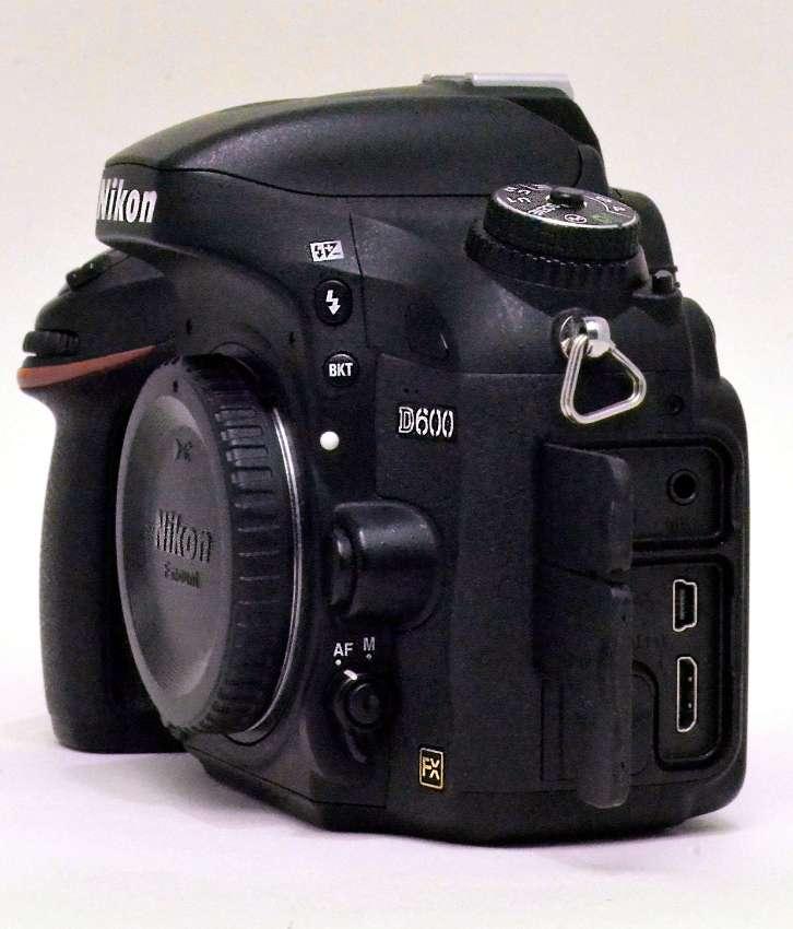 Nikon D600 FX Body, Excel Cond, Only 16K clicks on 150K click shutter
