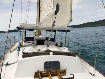 Phoenix 42 liveaboard, Center Cockpit Sailing Sloop