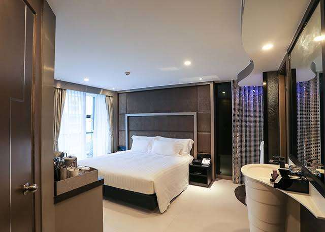 Fire sale!!! 4 star hotel in the heart of pattaya 90+ room for 260 MB