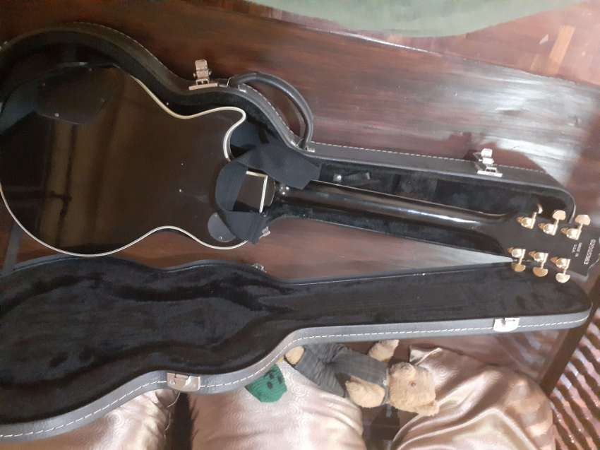 Les Paul Black, Made in China, Great Sound, Quality Hard Case