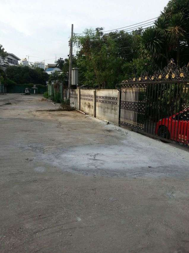 Land for Sale / Rent in Sukhumvit Soi 39 (191 Sq wah)  Owners Post