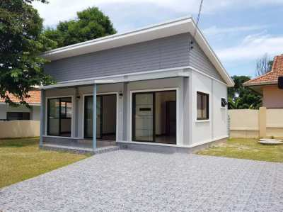 1,895,000 THB for this 2 bedroom house close Narai road in Rayong!