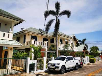 Beautiful 2 storey villa with privat Pool