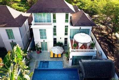 Private Pool Villa For Sale in Jomtien