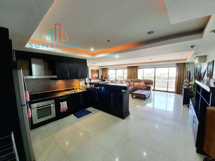 A High Rise condominium  ( For sale )