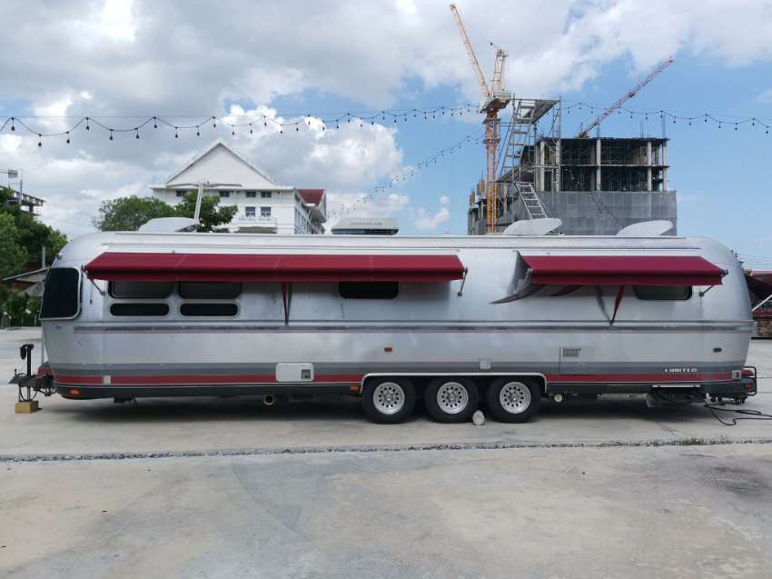 Airstream Classic Limited 34'