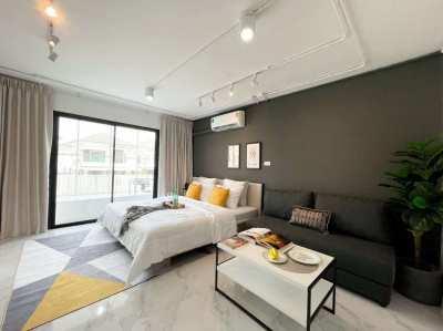 Lanna condominium for sale, 1 km. from Lanna Hospital.Super Highway Rd
