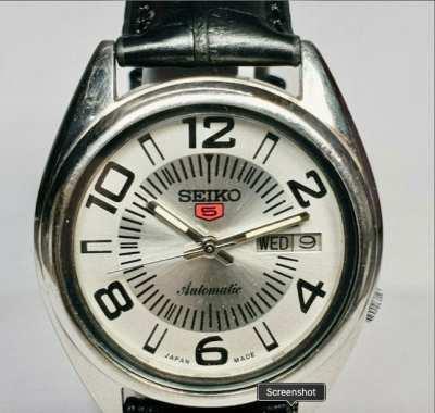 Vintage Seiko 5 Mechanical Automatic Movement Mens Wrist Watch.