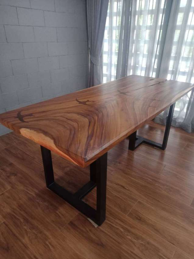 Acacia wooden table