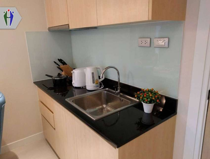 Condo for Rent closes to Pratumnak Hill 8,000 baht and Pool View