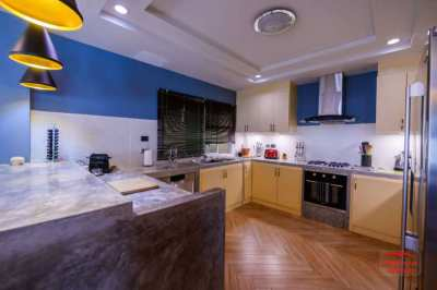 Modern & Stylish 3 Bed Home @ The Meadows
