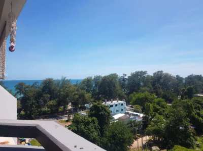 Amazing price 675,000 THB for this beach condo with ocean views!