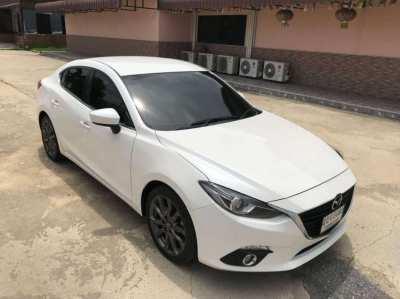 Mazda 3 Year 2015 SEDAN, Engine 2,000 CC Sky Active, Good Condition