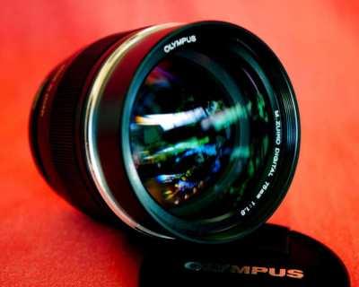 Olympus M.Zuiko Digital ED 75mm F1.8 Black Lens in Box for MFT Cameras