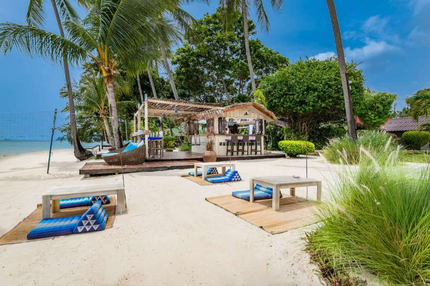 Stunning beach front restaurant and bar for lease