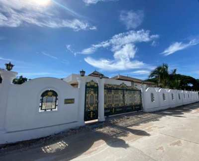 Hot! Bargain Priced 4 BR 4 Bath on 1,300 sqm Plot Near Palm Hills Golf