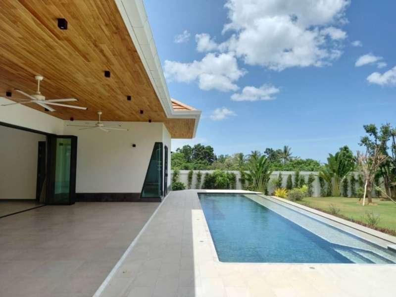Luxury 3 BR 3 Bath with Beautiful Teakwood Cantilever Poolside Terrace