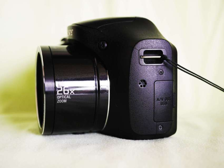 Sony H200 Camera with 26x Zoom 24-633mm Lens, SONY Cyber-shot DSC-H200