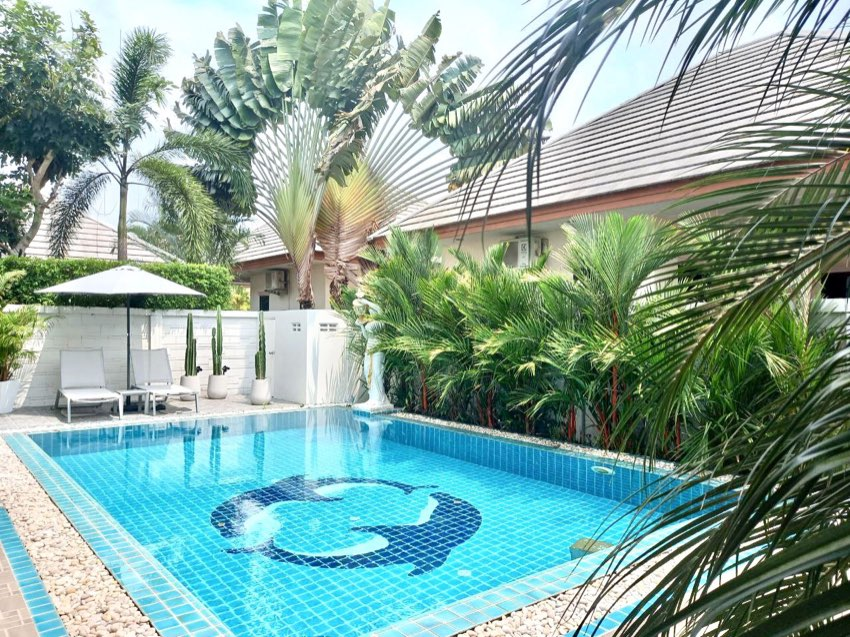 Luxury Pool Villa for rent by owner