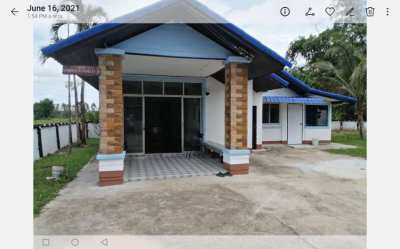 HOUSE FOR SALE.      3 Bedrooms,  3 Bathrooms