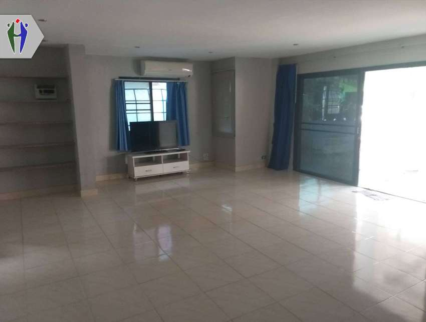 House 40 sqw. 4 Bedroos for rent Pattaya, Close to Pratumnak Hill