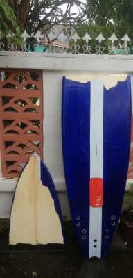 Snapped surfboard 7.10 make an offer
