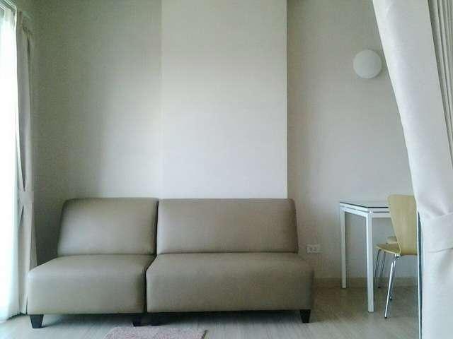 One Plus 19 condominium for sale/rent on Mahidol Rd.