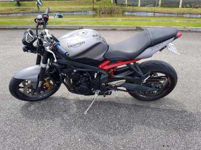 Good as new Triumph Street Triple 675 ABS 2017for sale