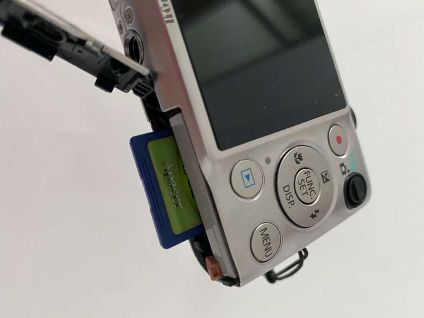 Photo Camera Canon IXUS 220HS