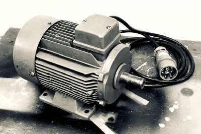 Electric motor 3 HP & 3 phases