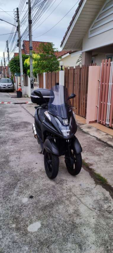 Yamaha Tricity 155cc ABS with top case and many accessories