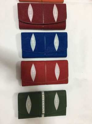 Natural Stringray Purse 1,000 baht with delivery in Thailand