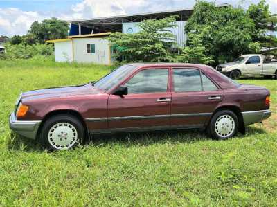 Mercedes Benz 230E / W124, great every day classic