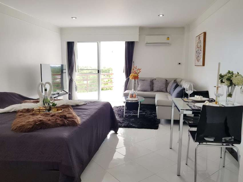 Attractive renovated condo next to the beach. Only 1,100,000 THB