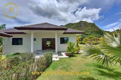 3 bed pool villa, with mountain views