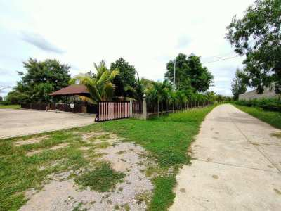 Awesome Deal! Prime 22 Rai with 3 Teakwood Bungalows and Much More!