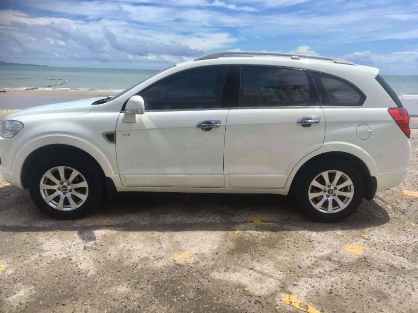 LOVELY 7 SEATER Captiva AUTOMATIC Top model LTZ /AWD . As NEW !!!