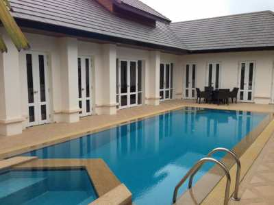 Lovely Pool villa for sale in Hua Hin