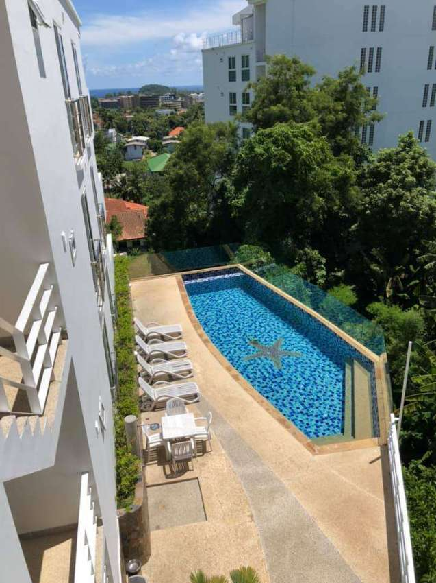 Renovated stunning sea view condo with patio jacuzzi, 2 bed, 1.5 bath