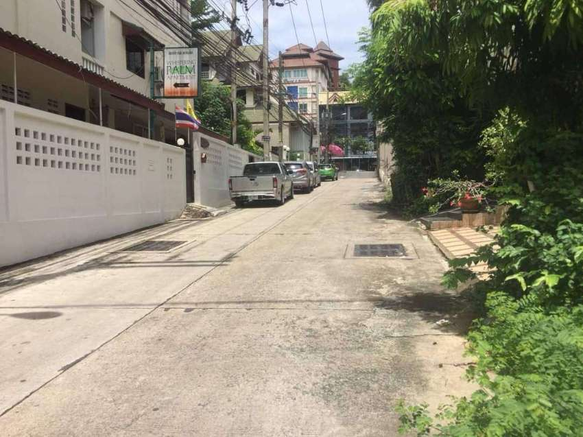 Land for sale in Pattaya ( 49 sq wah) Owners Post