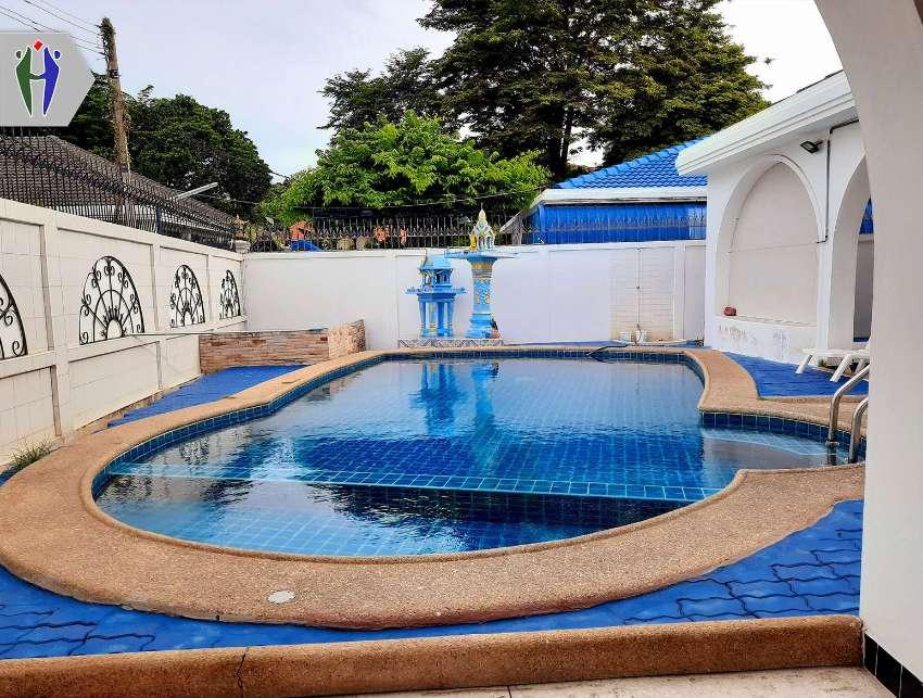 Pool Villa 5 Bedrooms for Rent in Pattaya, Near Pratumnak Hill