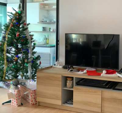 6-foot Christmas Tree
