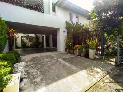 Pool Villa Bangkok for Rent